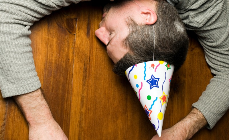 istock-man-party-hangover