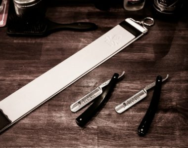 How to strop your cut-throat razor