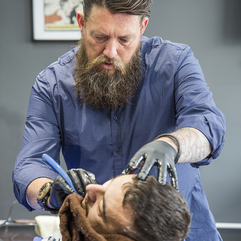 bluebeards-revenge-wet-shave-course-south-west-cornwall-liam-hamilton-barber-training